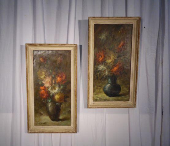 Пара картин с изображением цветов