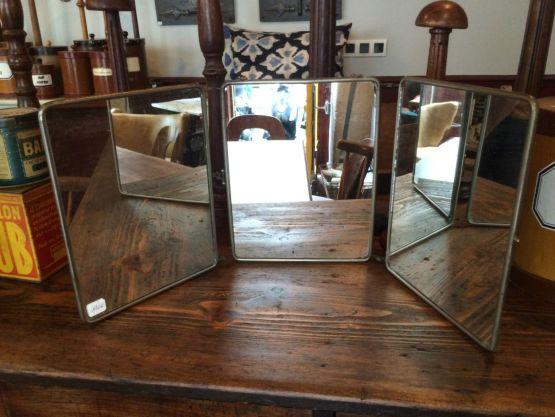Старинное зеркало для бритья