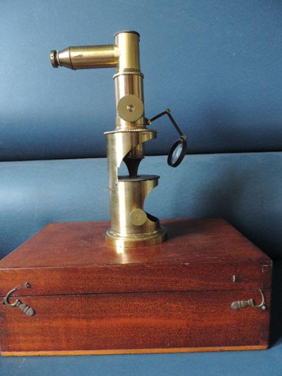 Микроскоп.  Лереборс, XIX в.