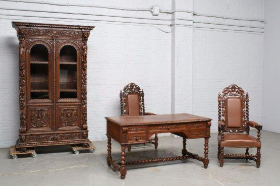 Набор мебели для кабинета в стиле Ренессанс