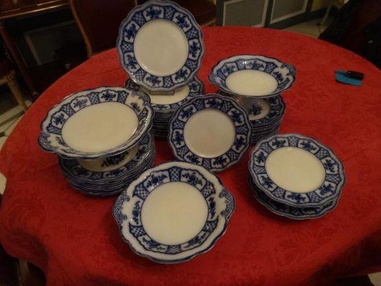 Набор столовой посуды. Англия, XIX в.