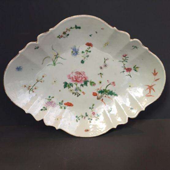 Тарелка  из фарфора Famille Rose, XVIII в.