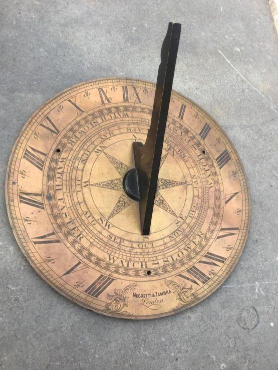 Бронзовые солнечные часы. Негретти и Замбра, XIX в