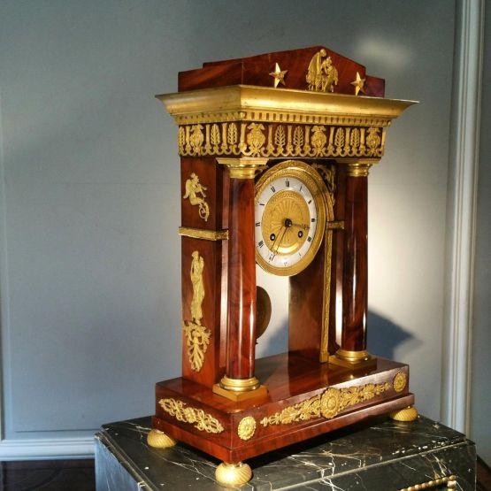 Часы из красного дерева в стиле ампир, начало XIX