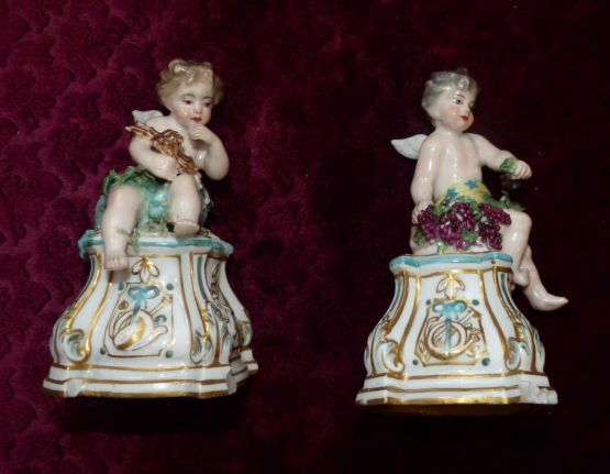 Две статуэтки ангелочков из саксонского фарфора, X