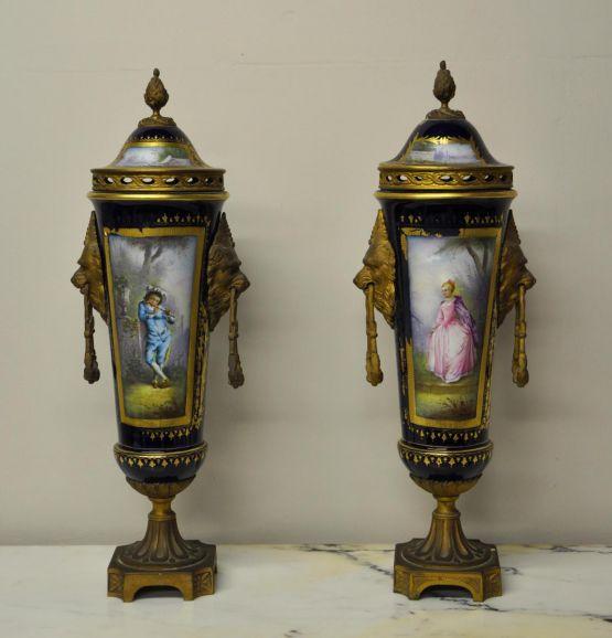Две вазы из севрского фарфора, XIX в.