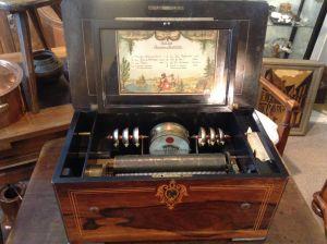 Музыкальная шкатулка. Швейцария, XIX в.
