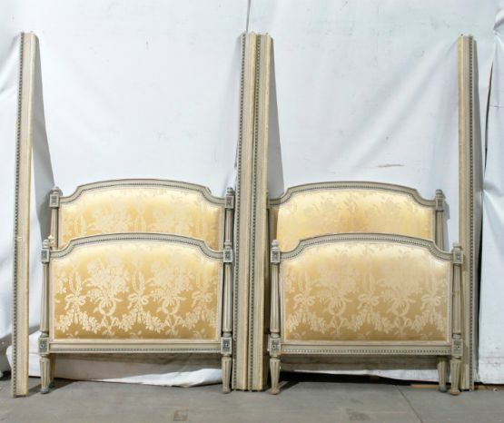 Кровати в стиле Людовика XVI