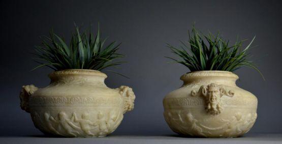 Две вазы в неоклассическом стиле. Италия, XIX в.