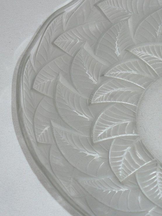 Блюдо 'Ormeaux' из матового стекла,  ХХ в.