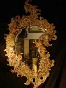Зеркало в раме из фарфора, 1900 г.