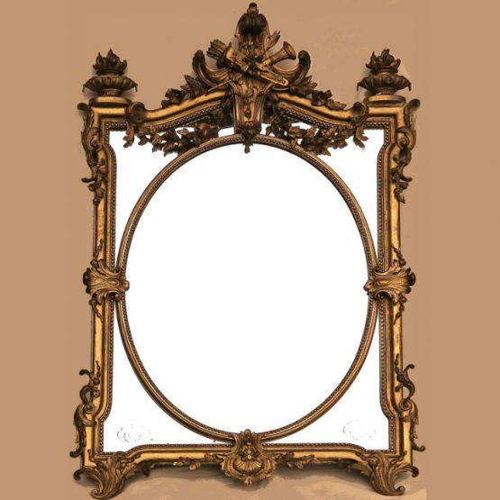 Зеркало в раме с позолотой