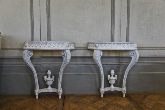 Консоль в стиле Людовика XVI
