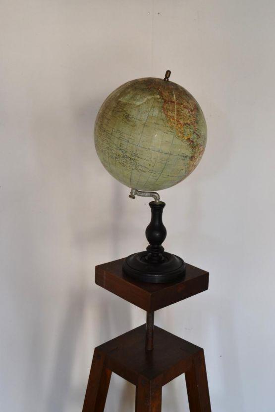 Глобус. Bertaux и Thomas, XIX в.