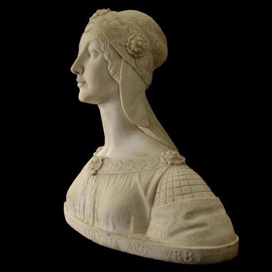 Скульптура молодой женщины, начало XX в.