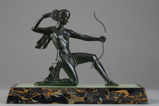 Скульптура 'Лучница'. Gual, около 1930 г.
