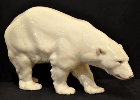 Статуэтка 'Белый медведь' из керамики, 1930 г.