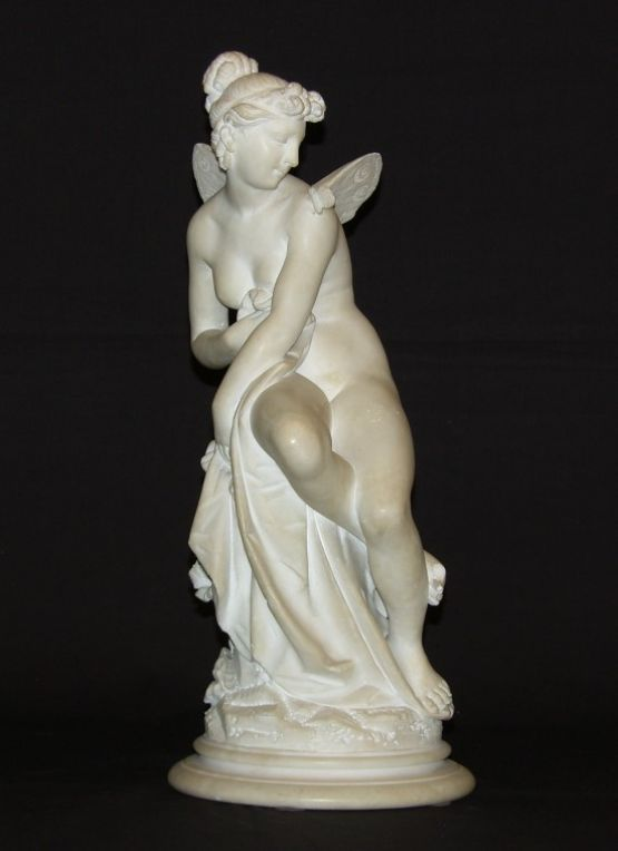 Скульптура феи из белого мрамора. Франция, XIX в.