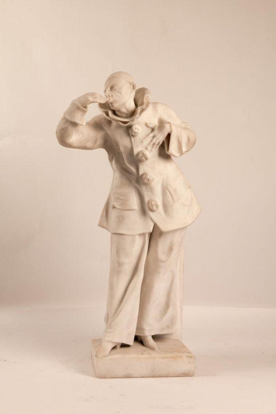 Мраморная статуэтка Пьеро. Бельгия, ХХ в.
