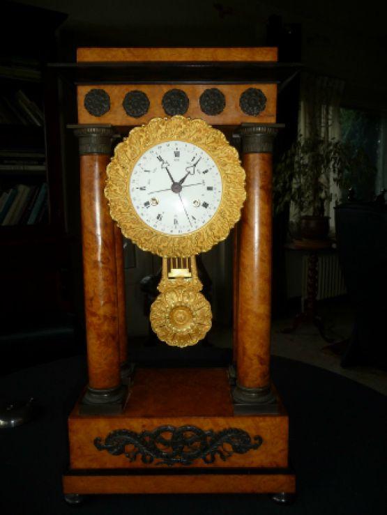Каминные часы-портик, XIX в.