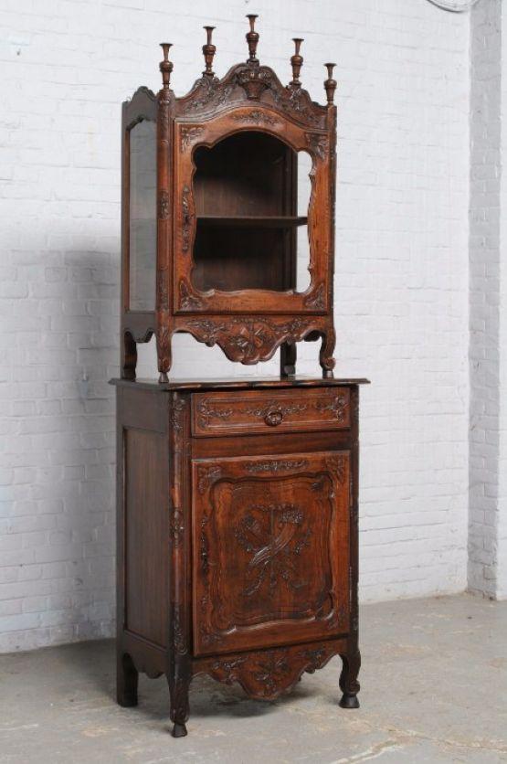 Узкий шкафчик из Франции