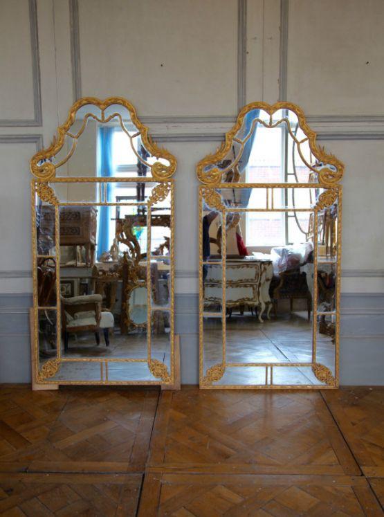 Зеркало в решетчатой оправе