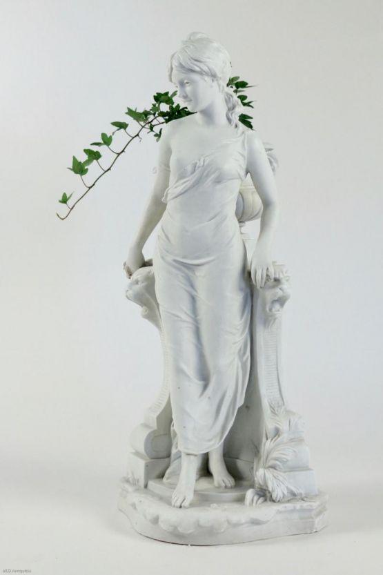 Статуя богини Цирцеи из бисквитного фарфора, XIX в