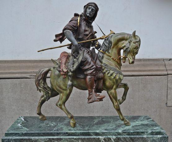 Скульптура 'Арабский воин'