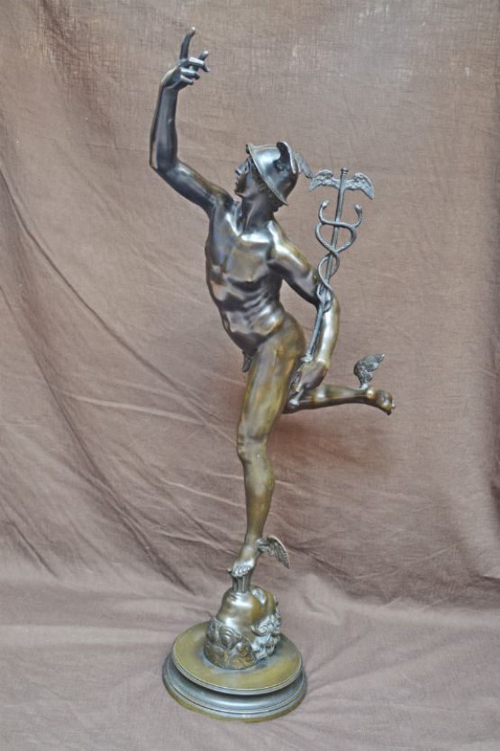 Статуя Гермеса из бронзы
