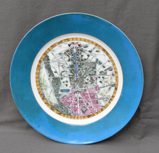 Тарелка из севрского фарфора с планом Версаля, XIX