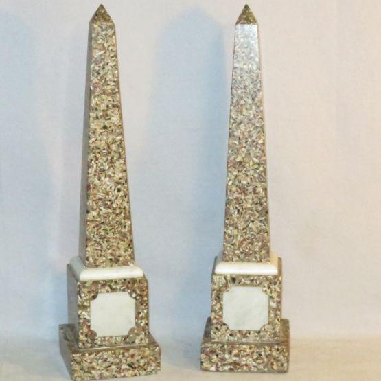 Мраморные обелиски в неоклассическом стиле, XIX в.