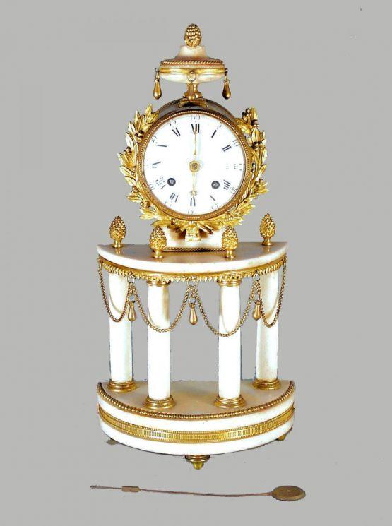 Часы-портик в стиле Людовика XVI, 1780 г.