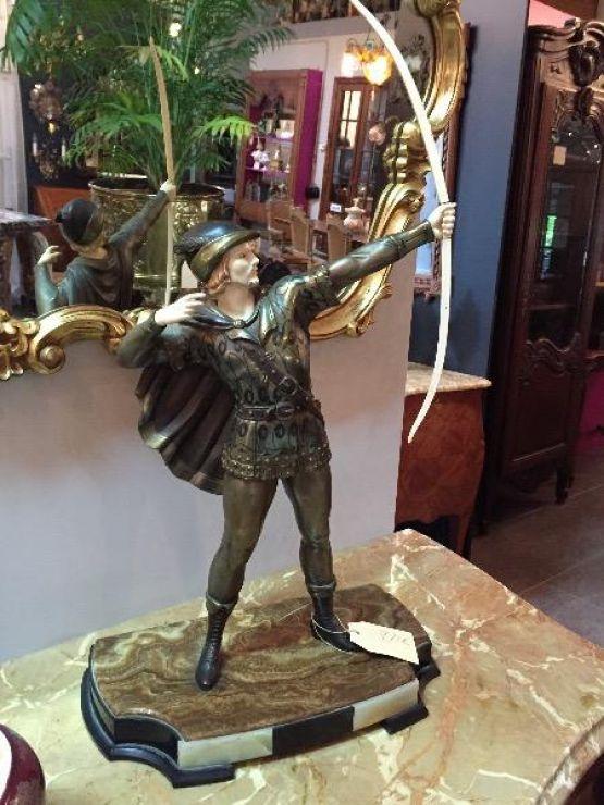 Статуя 'Лучник'