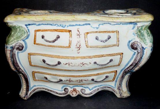 Цветочница из неверского фаянса. Франция, XVIII в.