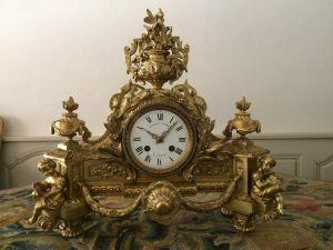 Часы из позолоченной бронзы.  Leroy, XIX в.