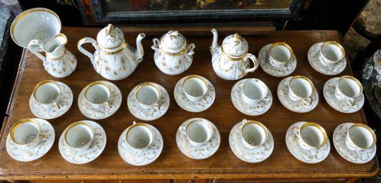 Чайный сервиз 'Vieux Paris' из фарфора, XIX в.