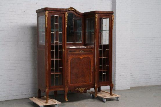 Шкаф в стиле Людовика XV