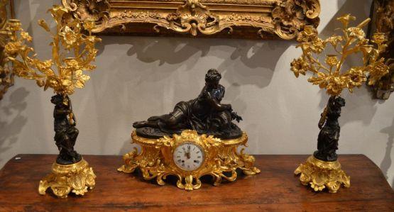 Бронзовый каминный набор с часами, XIX в.