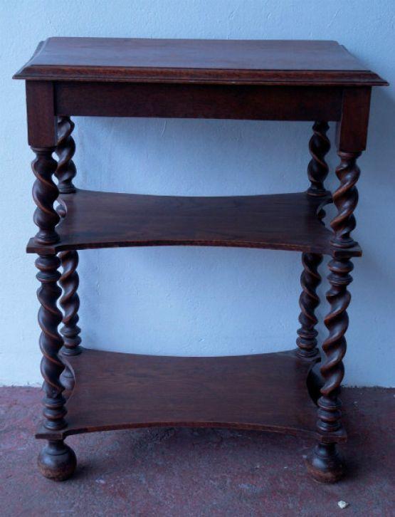Консольный столик из массива дуба с витыми ножками