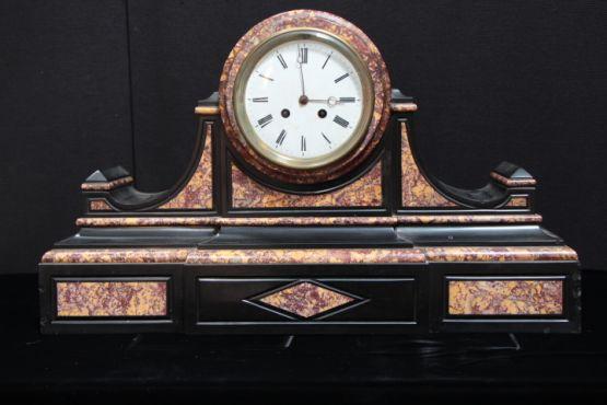 Каминные часы в классическом стиле