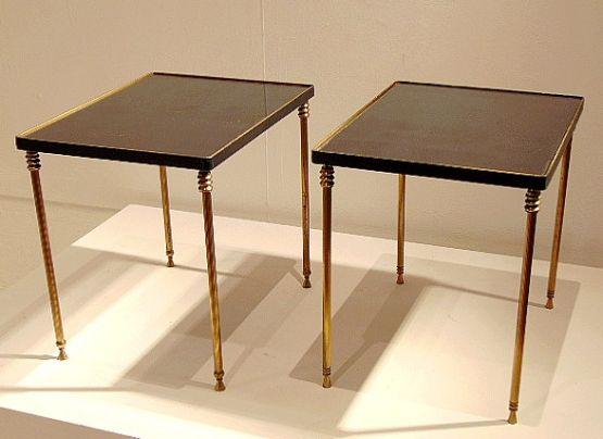 Пара столиков из позолоченной латуни и зеркала