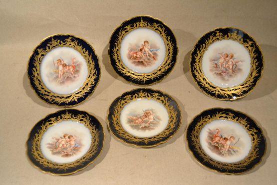 6 тарелок из севрского фарфора 'Херувимы', XIX в.