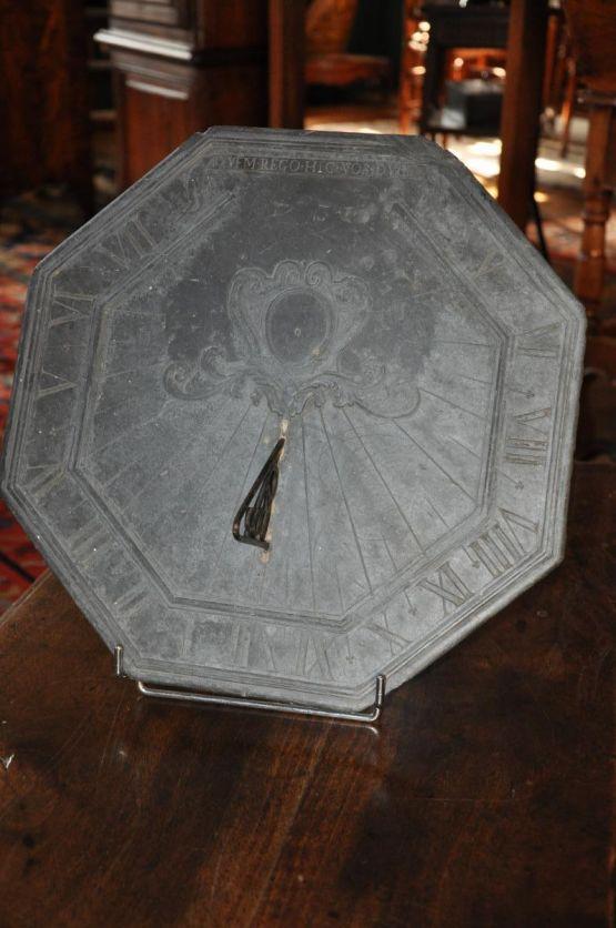 Грифельные солнечные часы, XVIII в.