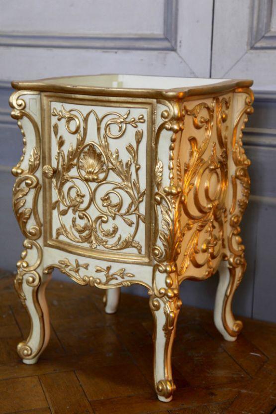 Прикроватная тумбочка, стиль Людовика XV