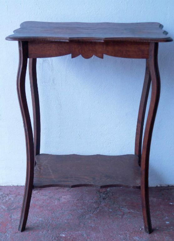 Небольшой консольный столик, 1900 г.
