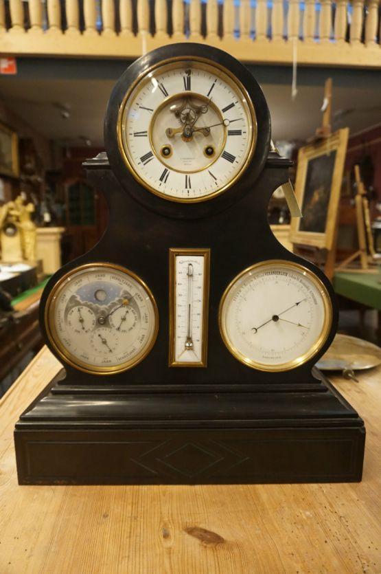 Настольные часы с календарем