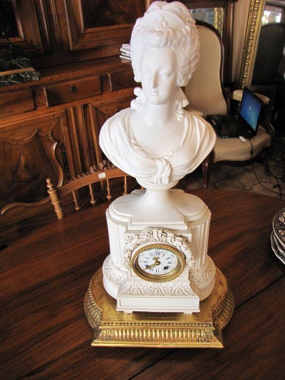 Часы из бисквитного фарфора, XIX в.